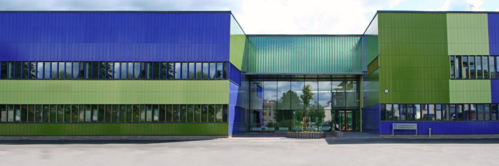valley fachada kuntola school